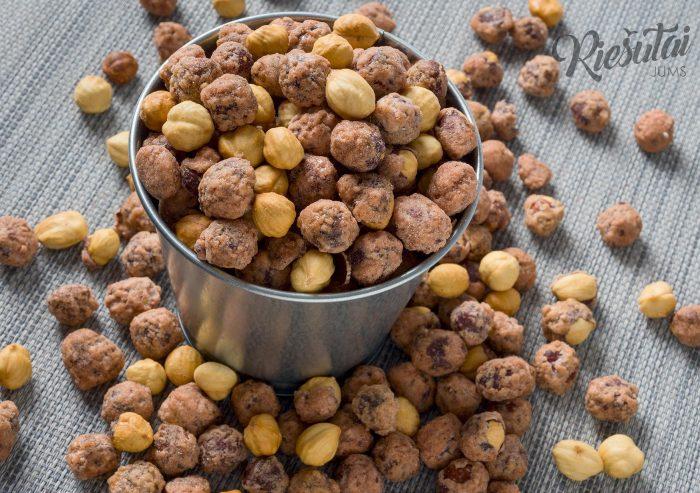 Karamelizuoti lazdynų riešutai 1kg