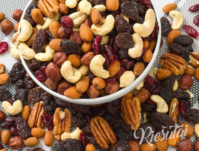 Džiovintų vaisių ir riešutų mišinys Royal 1kg